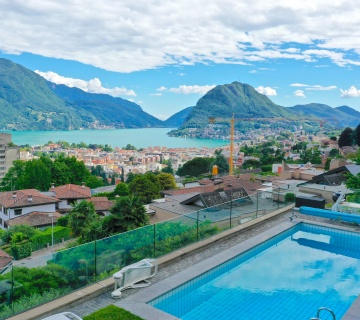 143 Superb villa with lake view / Lugano